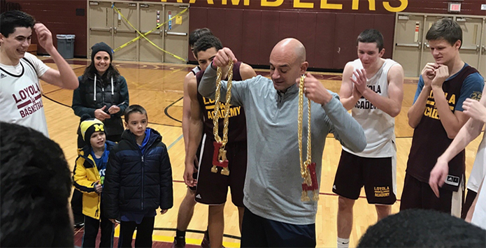 Loyola Basketball Debuts Charge Chain