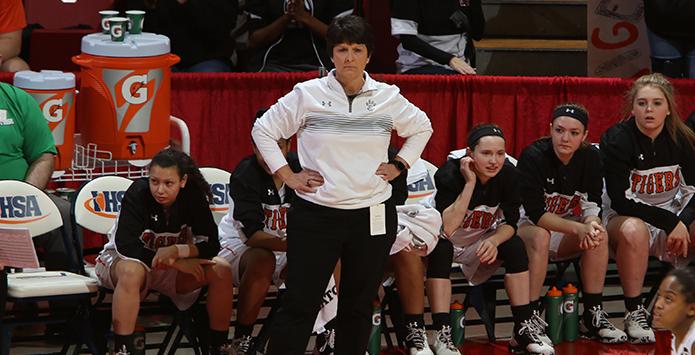 Edwardsville's Lori Blade Named National Girls Basketball Coach of the Year